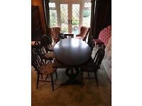 Beautiful Solid Oak Dining Table With Two Different Tops & Six Chairs