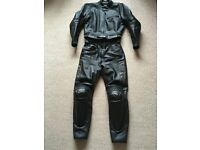 Dainese Ladies 2 Piece Motorcycle Leathers. Size UK 12 (46)