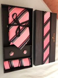 PERFECT GIFT* TIE SET*