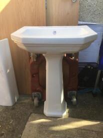 580x450 white pedestal with basin bargain