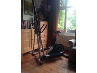 Crosstrainer /exercise bike Rogerblack fitness machine with timer and different settings.