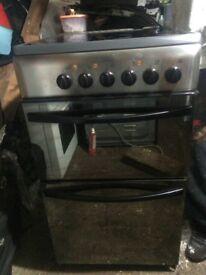 £93.67 Indesit sls black ceramic electric Cooker+50cm3 months warranty for £93.67