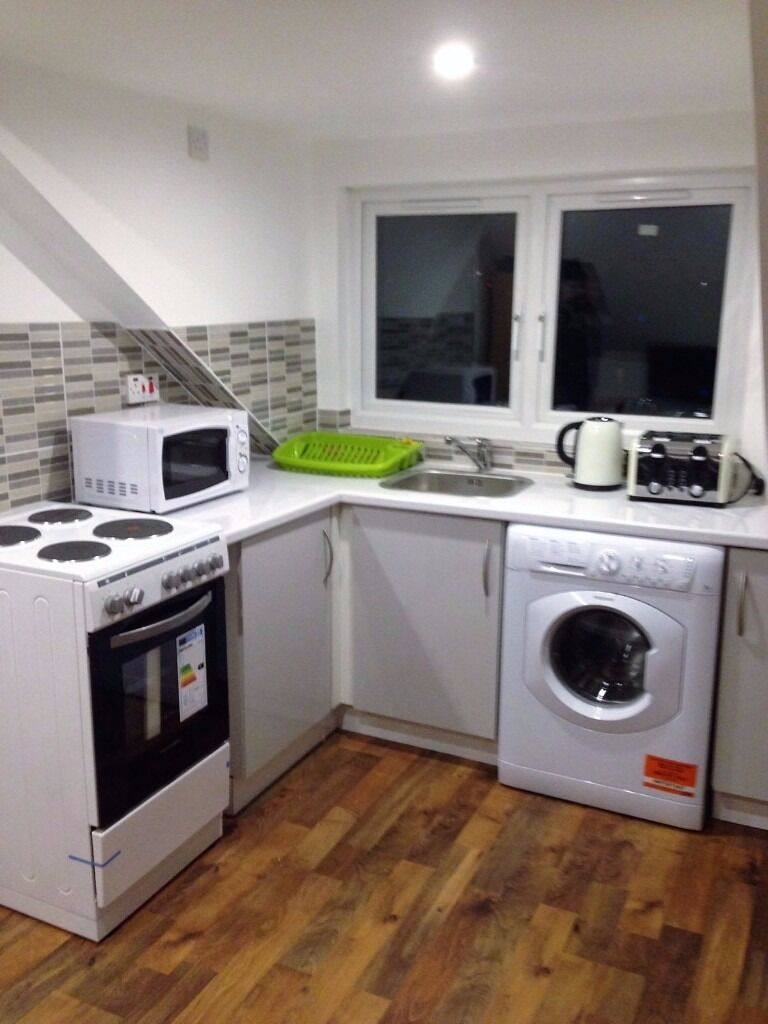 PROPERTY HUNTERS ARE PLEASED TO OFFER EN-SUITE ROOM IN ILFORD FOR £725PCM ALL BILLS INCLUDED!!