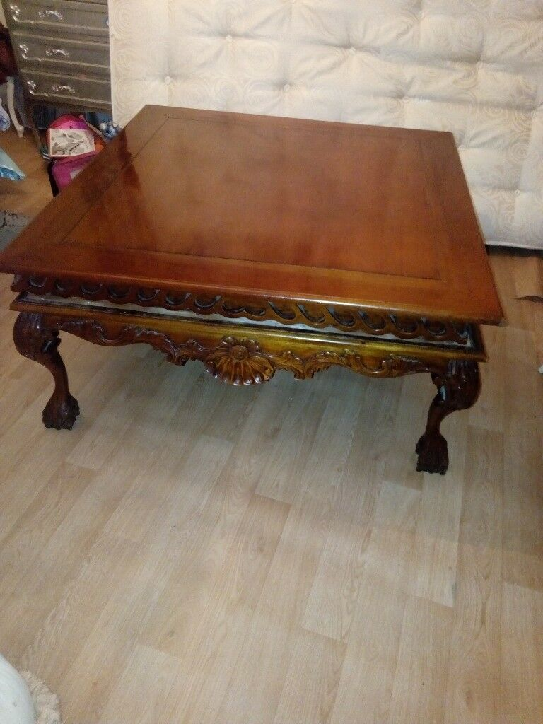 Large Vintage Coffee Table With Ball And Claw Feet