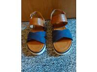 Ladies wrangler sandals