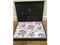 Beautiful Royal Doulton Provence bleu design 18 piece placemat set. Boxed and never used.
