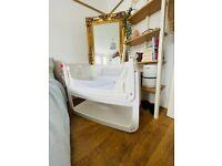 SnuzPod 4 bedside crib + 2 sets of sheets and waterproof mattress protector (bundle RRP £235.85)