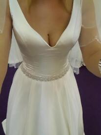 Ronald Joyce Alison wedding dress