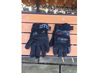 Knox Motorcycle Gloves. Size XXL.