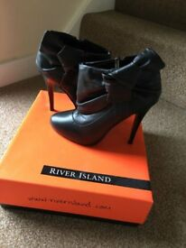River Island bow Ankle Boots Size 5 Black