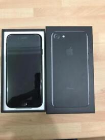 Brand new Apple iPhone 7 32gb Black on EE