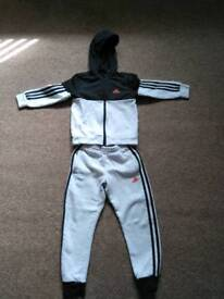 Addidas jogging suit