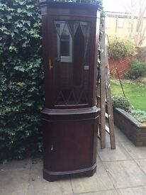 MAHOGANY CORNER UNIT GLASS AND WOOD, WITH SHELVES. IDEAL TO SHABBY CHIC. IF YOU WANT