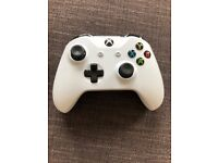 Official Xbox One Wireless Controller 3.5mm - White - New without box - Last one
