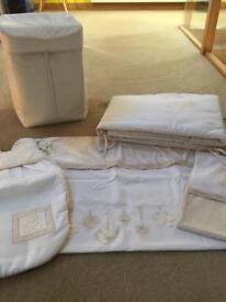 Unisex nursery bedding bundle
