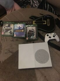 Xbox one s console 500gb and 4 games