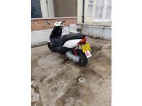 Yamaha jog rr 50 cc moped