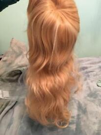 Blond synthetic wig