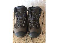 Keen Wanderer women's hiking boots size 6