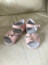 Leon Pink sandals