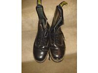 Dr Martin boots black size 7 worn 3 times