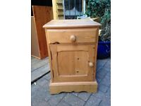 SOLID WAXED COUNTRY PINE BEDSIDE CABINET/TABLE VERY NICE HEAVY PINE PIECE FREE LOCAL DELIVERY