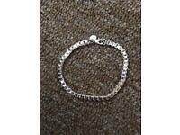 Gorgeous silver bracelet 975