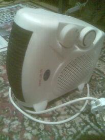 Quest upright electric heater fan Model 41450