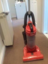 1 year old vaccum cleaner in excellent working condition for sale