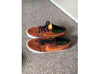 Men's Nike trainers size 9!