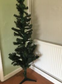 5ft Christmas tree and baubles