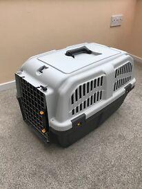 Pet dog Crate / carrier lockable excellent condition medium sized