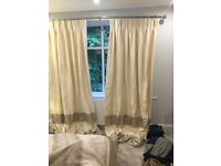 Curtain pole and curtains