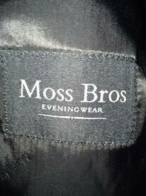 For sale mans moss bros black designer dinner jacket size 40 chest
