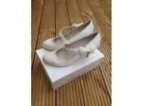 Brand new ivory shoes (7) - vintage style/wedding
