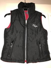 Girls black quilted gilet