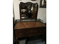 Splendid Antique Mahogany Dressing Table with Mirror