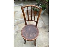 2 Thonet antique chairs