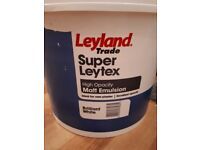 Leyland contract paint super leytex