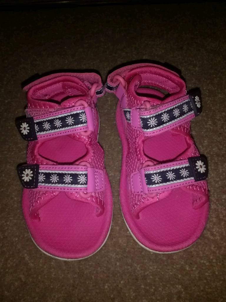 Size 7 Sandals Girls