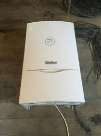 Vaillant EcoTEC plus 618 system gas boiler, used but in perfect working order.