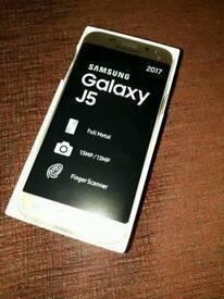 Gold Samsung Galaxy J5 (2017)