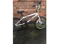 ** Boys Bmx Bike Age 8+ Good Condition Brakes Need Attention Ideal Christmas Present £50 ovno