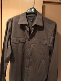 7 men's top name shirts med/small