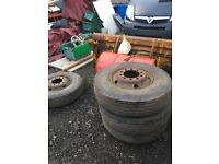 Tyres 9.5 r 17.5