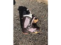 Ladies vans snowboard boots size 4.5
