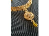 Gorgeous Golden Necklace and Earrings Set