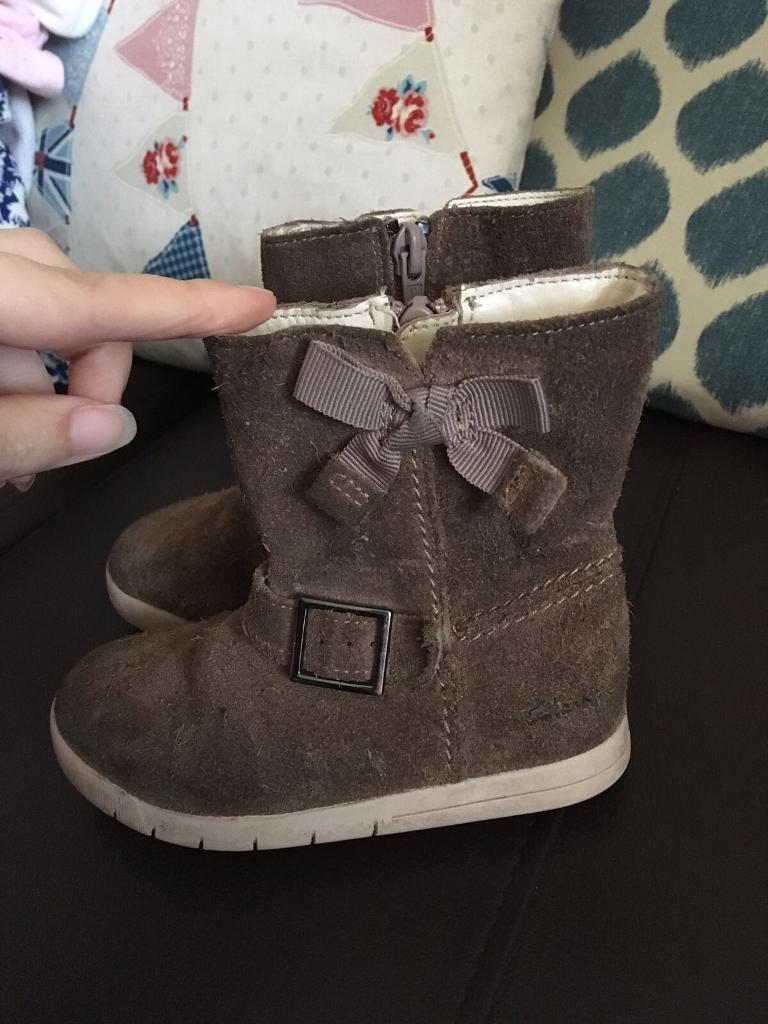 Clark's boots size 6f