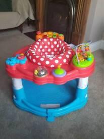 Baby activity station like jumperoo