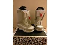 Vans Encore snowboarding boots. Women's size 5